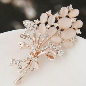 💰 3x$12 Rose Gold Flower Bouquet Brooch Pin